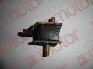 Подушка двигателя (опора) задняя YUEJIN 1080; ISUZU NQR71; BAW 1044E3 (M10x1.25) 1001Z70-020A