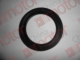 Сальник ступицы задней BAW 1065, YUE JIN 1080, FAW 1051/1083  31Q02-04080-A, (95x130x12)