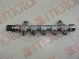 Рампа топливная BAW1044 E4/1065 E4/33460 E4/33462 E4  0445214262 BOSCH