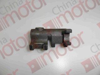 Головка вилки переключения 1-й задней передач FOTON-1049A 2063-108(1/R) CAS5-42(T108)